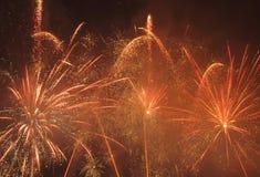 Fuochi d'artificio arancio e gialli Fotografie Stock Libere da Diritti
