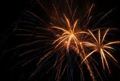 Fuochi d'artificio che scoppiano in aria Immagine Stock