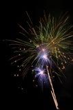 Fuochi d'artificio che scoppiano in aria Fotografie Stock Libere da Diritti