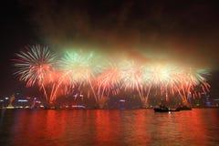Fuochi d'artificio cinesi 2011 di nuovo anno di Hong Kong Fotografia Stock