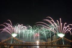Fuochi d'artificio con Copyspace Fotografie Stock Libere da Diritti