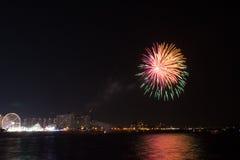 Fuochi d'artificio a Coney Island venerdì sera a luglio Fotografia Stock Libera da Diritti