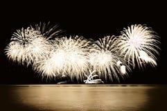 Fuochi d'artificio dall'acqua Immagini Stock