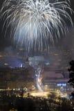 Fuochi d'artificio del nuovo anno in Brasov, Romania Fotografia Stock