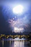 Fuochi d'artificio del nuovo anno di Praga Immagini Stock Libere da Diritti