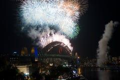 Fuochi d'artificio del ponticello di porto di Sydney NYE Fotografia Stock Libera da Diritti