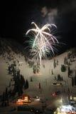 Fuochi d'artificio della stazione sciistica Fotografia Stock