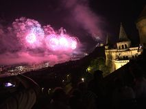 Fuochi d'artificio di festa nazionale di Budapest Immagini Stock