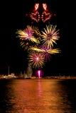 Fuochi d'artificio di forma del cuore fotografia stock libera da diritti