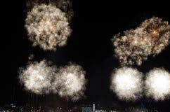 Fuochi d'artificio di Gunwharf, Portsmouth immagini stock