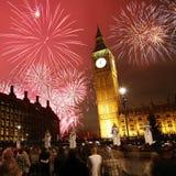 Fuochi d'artificio di notte di San Silvestro Fotografie Stock Libere da Diritti