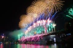 Fuochi d'artificio di notte di San Silvestro NYE del porto di Sydney Fotografie Stock