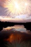 Fuochi d'artificio di Riever di alba Immagine Stock Libera da Diritti