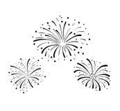 Fuochi d'artificio disegnati a mano di scarabocchio di vettore, fondo di celebrazione, elementi neri di progettazione isolati royalty illustrazione gratis
