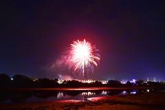 Fuochi d'artificio e fiume di festival dell'isola di Wight Immagini Stock