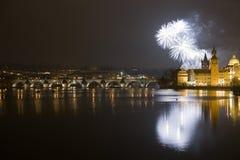 Fuochi d'artificio festivi di nuovo anno 2009 Fotografie Stock