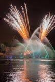 Fuochi d'artificio & fontane Fotografia Stock