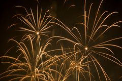 Fuochi d'artificio gialli Immagini Stock Libere da Diritti