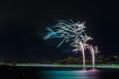 Fuochi d'artificio giorno celebrazioni sul 14 luglio in Nizza Immagini Stock