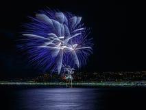 Fuochi d'artificio giorno celebrazioni sul 14 luglio in Nizza Fotografie Stock Libere da Diritti