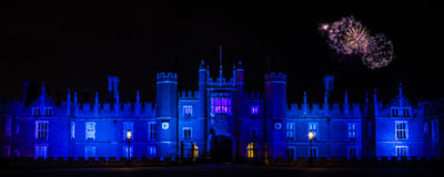 Fuochi d'artificio a Hampton Court Palace Fotografie Stock