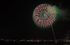 Fuochi d'artificio laterali del fiume Fotografia Stock Libera da Diritti