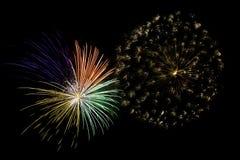Fuochi d'artificio nel cielo notturno Fotografia Stock Libera da Diritti