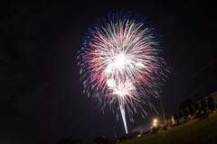 Fuochi d'artificio nel fuoco manuale Fotografia Stock
