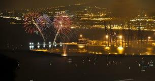 Fuochi d'artificio nel porto marittimo di Malaga immagini stock libere da diritti