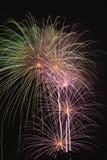 Fuochi d'artificio nel quarto di luglio Fotografia Stock Libera da Diritti