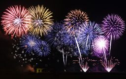 Fuochi d'artificio nella notte Fotografia Stock