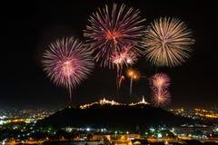 Fuochi d'artificio a Phra-Nakhon-Khiri (Khao-Wang), Phetchaburi in Thail Immagine Stock Libera da Diritti