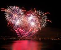 Fuochi d'artificio rossi Immagine Stock