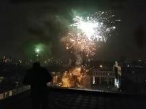 Fuochi d'artificio sopra Breda immagine stock libera da diritti