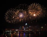 Fuochi d'artificio sopra Cincinnati Immagini Stock Libere da Diritti