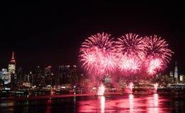 Fuochi d'artificio sopra Hudson River Fotografia Stock Libera da Diritti