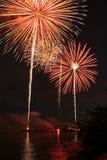 Fuochi d'artificio sopra il suono del Long Island Fotografie Stock Libere da Diritti