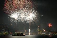 Fuochi d'artificio su Como immagini stock libere da diritti