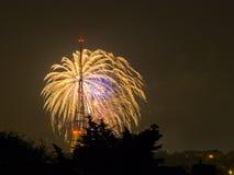 Fuochi d'artificio su Guy Fawkes Night Immagine Stock
