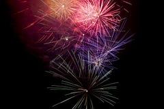 Fuochi d'artificio su priorità bassa nera fotografia stock