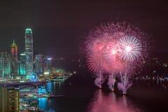 Fuochi d'artificio su Victoria Harbour Fotografie Stock Libere da Diritti