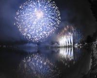 Fuochi d'artificio sul lago lugano, Lavena-Ponte Tresa fotografia stock