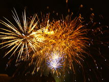 Fuochi d'artificio sulla città Immagine Stock Libera da Diritti