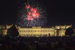 Fuochi d'artificio sulla villa Reale Monza Immagini Stock
