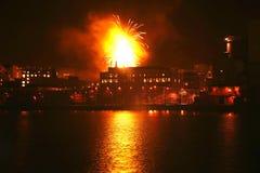 Fuochi d'artificio urbani Immagini Stock