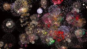 Fuochi d'artificio variopinti alla notte 4k di festa I fuochi d'artificio accendono il cielo stock footage