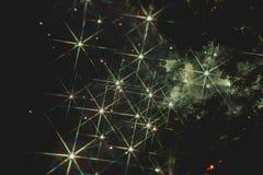 Fuochi d'artificio variopinti sopra un cielo notturno Fotografia Stock Libera da Diritti