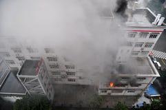 Fuoco bruciante in costruzione Fotografia Stock