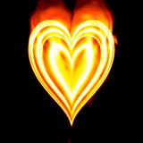 fuoco burning del cuore del biglietto di S. Valentino Immagine Stock