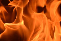 Fuoco Burning nel camino Immagine Stock